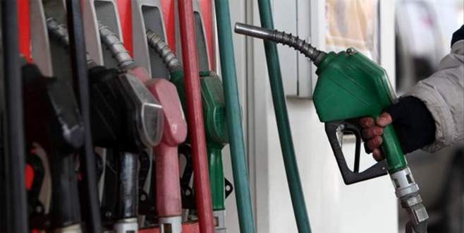 Akaryakıttaki zamların nedeni kur ve petrol