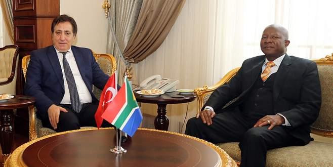 Büyükelçi Malefane'den Vali Küçük'e ziyaret