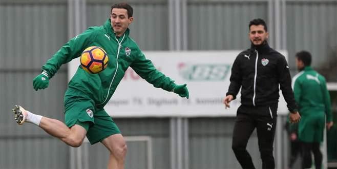 Yeni transfer Stancu ilk antrenmanına çıktı