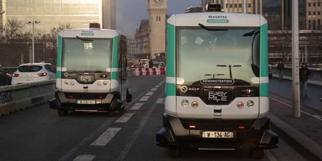 Paris'te 'şoförsüz otobüs' dönemi