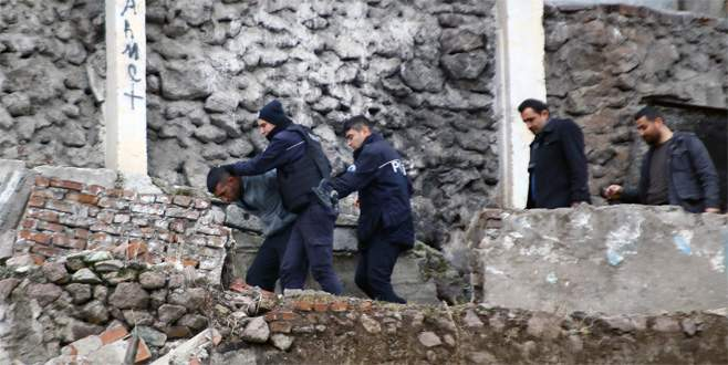Ankara'da polise otomatik silahlarla ateş açıldı