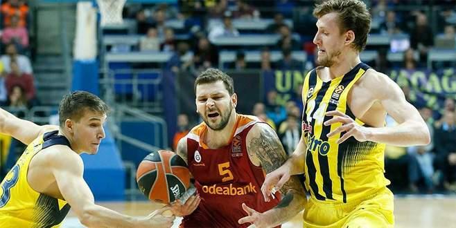Avrupa'daki Türk derbisinin galibi Fenerbahçe