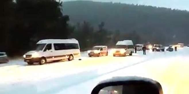 Kar yağışı dağ ilçelerine ulaşımı olumsuz etkiledi