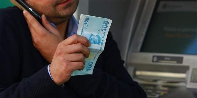 Dolandırıcılara 10 bin lira kaptırdı