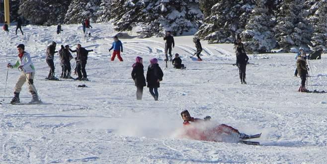 Uludağ'da kar kalınlığı 2 metreye yaklaştı