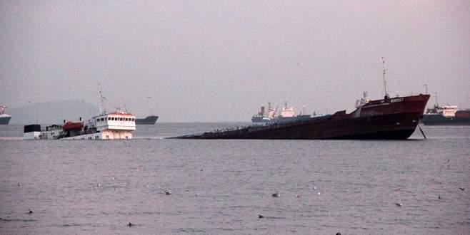 Kuruyük gemisi karaya oturdu