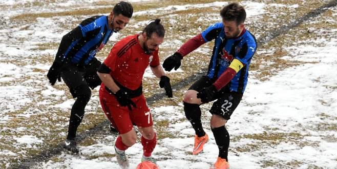 Karacabey Birlik Van'da dondu kaldı: 0-2