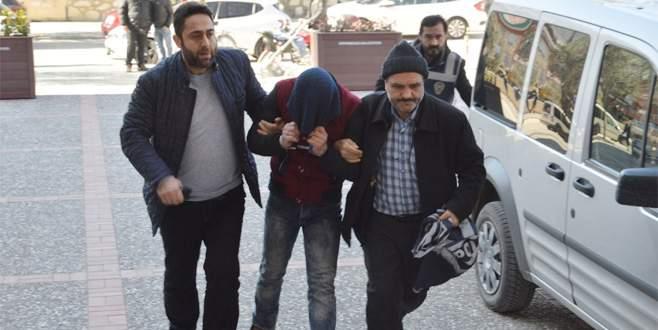 Silahlı market soyguncusu ve gözcüsü tutuklandı