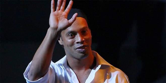 Ronaldinho yeniden Barcelona'da