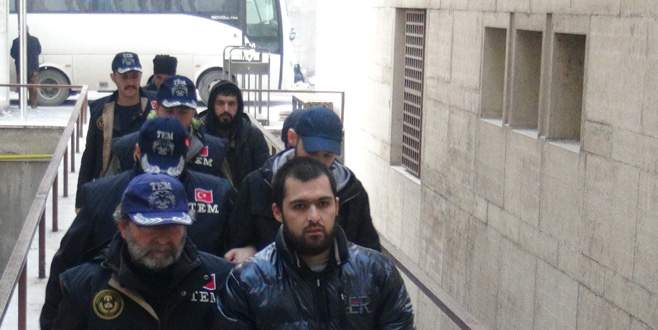 Bursa'daki 'Reina operasyonu'nda yakalanan 13 kişi adliyeye sevk edildi