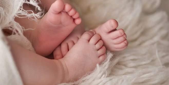 İkiz bebekler 'farklı yıllarda' dünyaya geldi