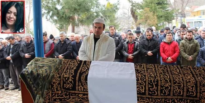 Bursa'da eşi tarafından öldürülen kadın toprağa verildi
