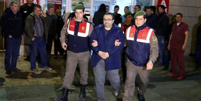 Ailece Yunanistan'a kaçmaya çalışırken yakalandılar