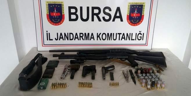 Bursa İl Jandarma Komutanlığı suçlulara göz açtırmıyor