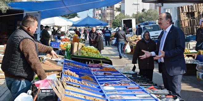 Türkyılmaz'dan pazar ziyareti