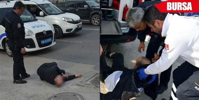 Krize girip yol ortasında sızdı, polisi görünce ortalığı karıştırdı
