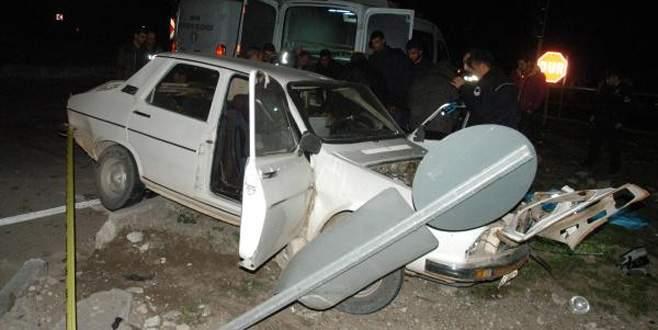 Cenaze yolunda kaza: 3 ölü, 1 yaralı
