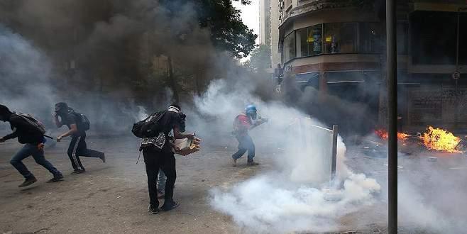 Brezilya'da kamu çalışanları polisle çatıştı