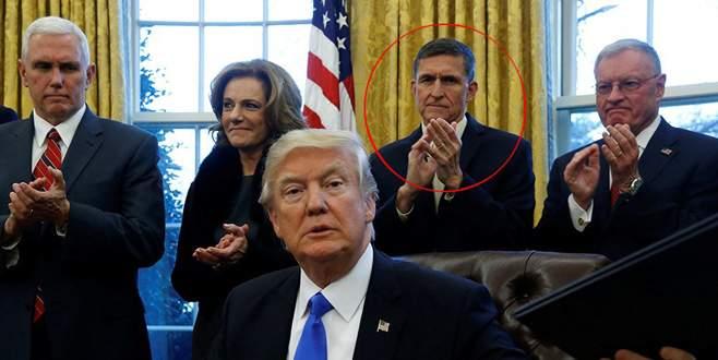 Flynn, Beyaz Saray'daki görevinden istifa etti