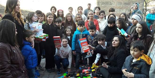 Bursa'da 'silahtan oyuncak olmaz' kampanyası