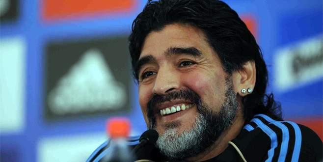 Maradona resmen FIFA'da