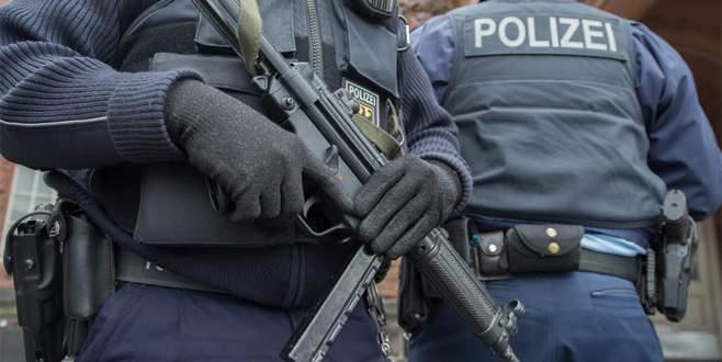 İmamlara polis baskını