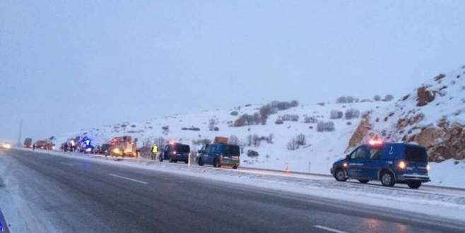 Yolcu otobüsü devrildi: 21 yaralı