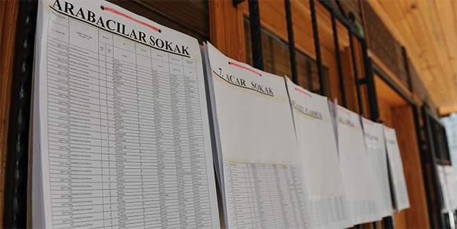 Referandum için listeler asıldı