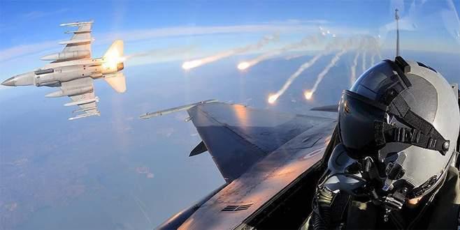 Türk jetleri terör yuvalarına bomba yağdırdı