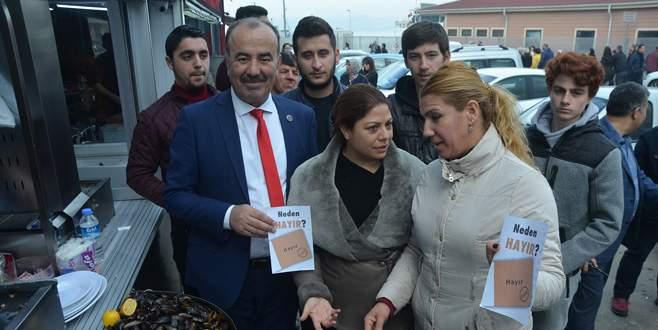 CHP 'Neden Hayır' broşürü dağıttı