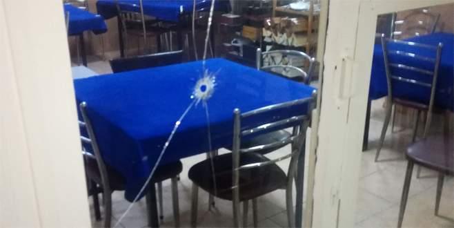 Kahvehaneye silahlı saldırı: Yaralılar var…