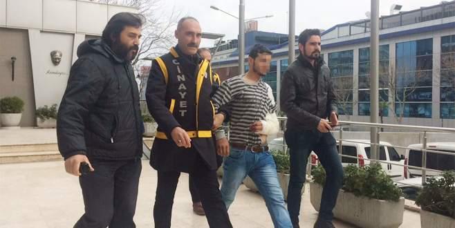 Bursa'da gasp ettiği araçla restorana dalan kişi tutuklandı