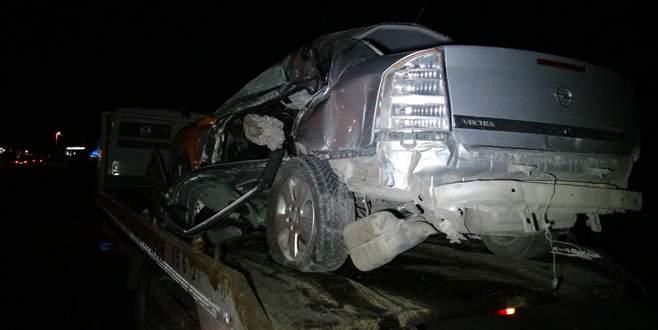 İşçi servisi ile otomobil çarpıştı: 2 ölü, 5 yaralı