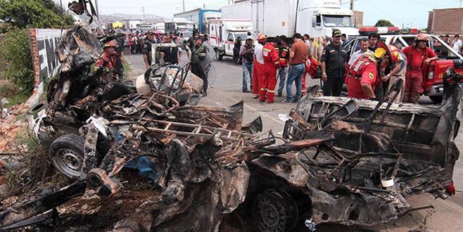 Katliam gibi kaza: 15 ölü