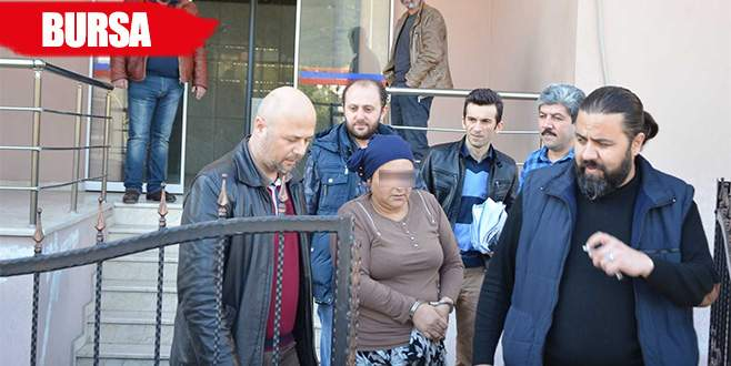 Zehir taciri kadın, yarım kilo esrar ile yakalandı