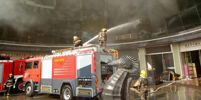 Çin'de otel yangını