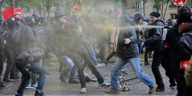 Le Pen karşıtı eylemde çatıştılar