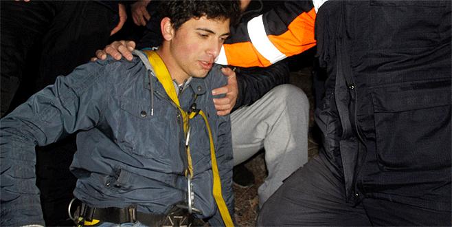 Uçurumda mahsur kalan genç 6 saate kurtarıldı