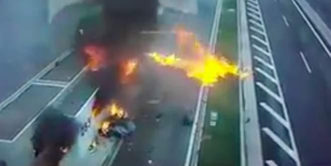 Aşırı hızlı Porsche dehşet saçtı: 4 ölü