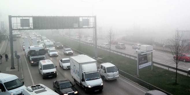 Bursa'da yoğun sis ulaşımı olumsuz etkiliyor