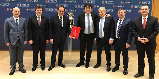 EURO 2024'e resmen adayız
