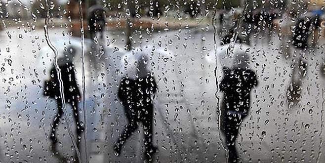 Aşırı yağış okulları tatil ettirdi