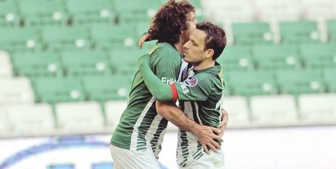 Bursaspor'da da oynamıştı… Futbolu bıraktı…