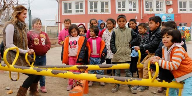 Sınırdaki okulun fedakar kadın öğretmenleri