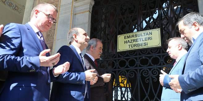 Referandum startı Emir Sultan'dan verildi