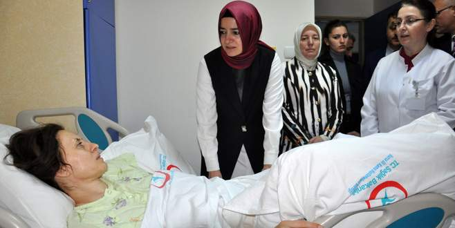 Bakan Kaya, kazada yaralanan Vatansever'i ziyaret etti