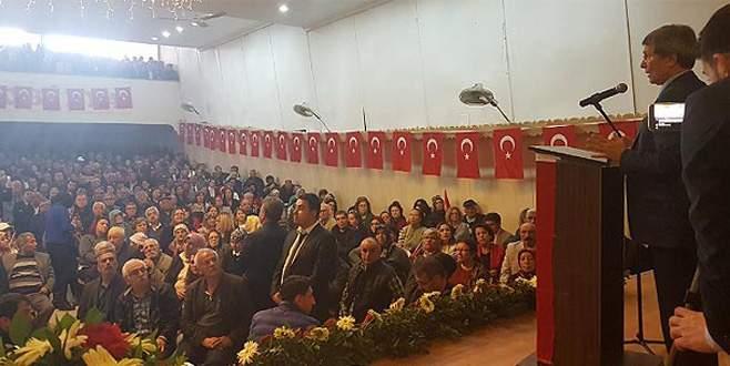 Özdağ ve Halaçoğlu'nun konuşacağı salonu bastılar