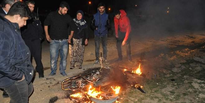 Bursa'da arkadaşı borcunu ödemeyince motosikletini ateşe verdi