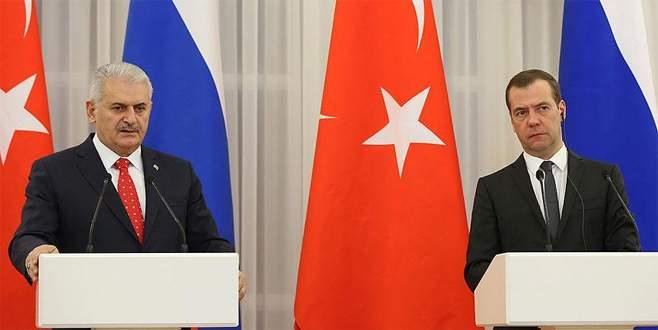 Başbakan Yıldırım ile Medvedev görüştü