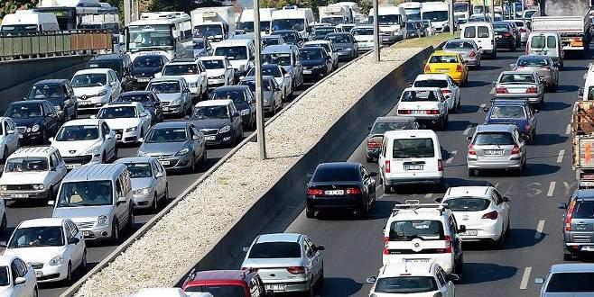 Trafiğe 1 ayda 128 bin 648 araç eklendi
